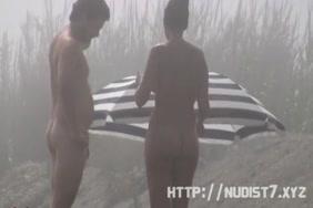 عارية المشاهير فاتنة مايلي سايروس عارية في التاج.