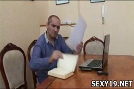 النيك رجال رجال في الجافلة فيديو