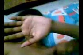 ولد ينيك امه في الحمام فديو